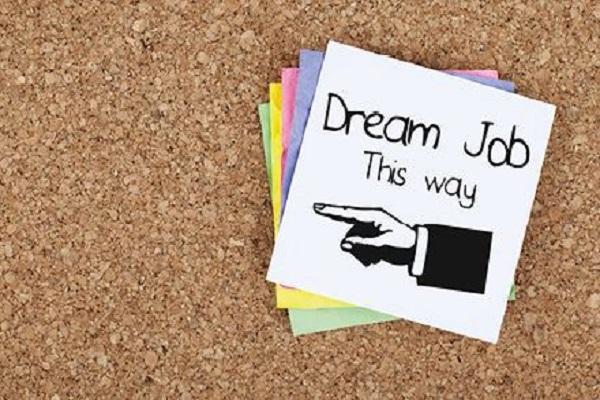 La recherche de l'emploi idéal peut s'avérer compliquée. Comment s'y prendre ? Il suffit de définir ses exigences et priorités. Quelques petites astuces ici.