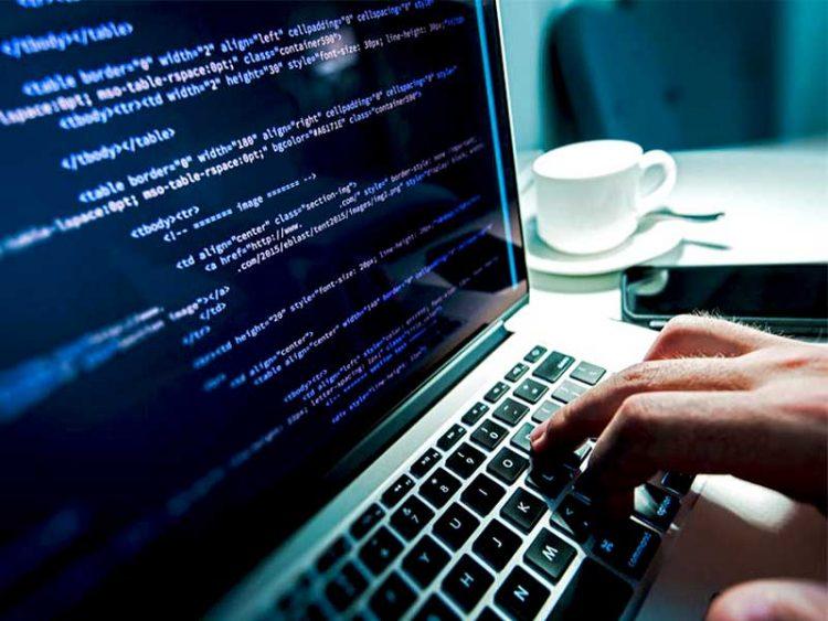 Trouver un emploi dans le numérique, c'est avoir une bonne situation professionnelle. Découvrez pourquoi.